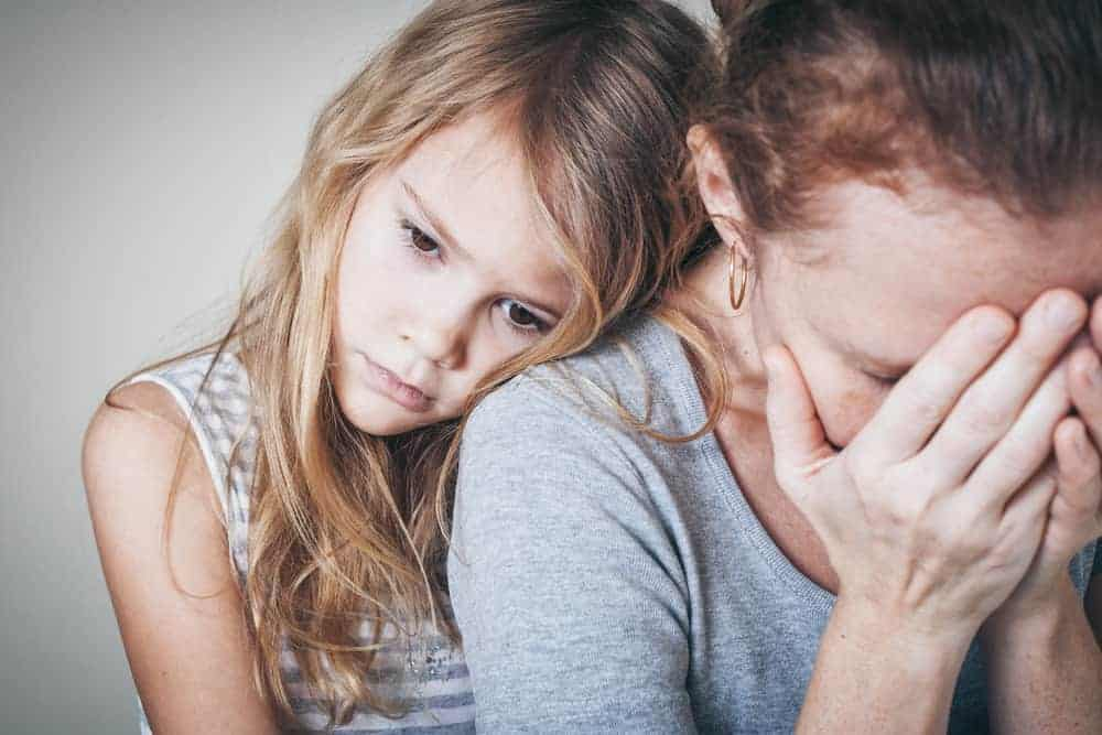 6 Ways to Prevent and Deal with Mom Anxiety Naturally