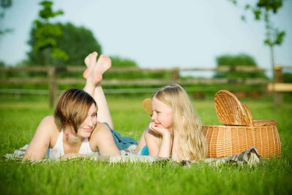 5 Memorable and Bonding Outdoor Spring Activities for Kids and Parents. #spring #springactivities #springactivitiesforkids #kidactivities