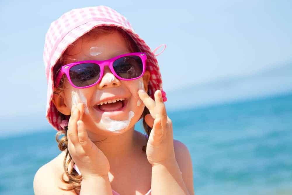 5 Best Sunscreen Lotions for Kids (Non-Toxic and EWG Rated)