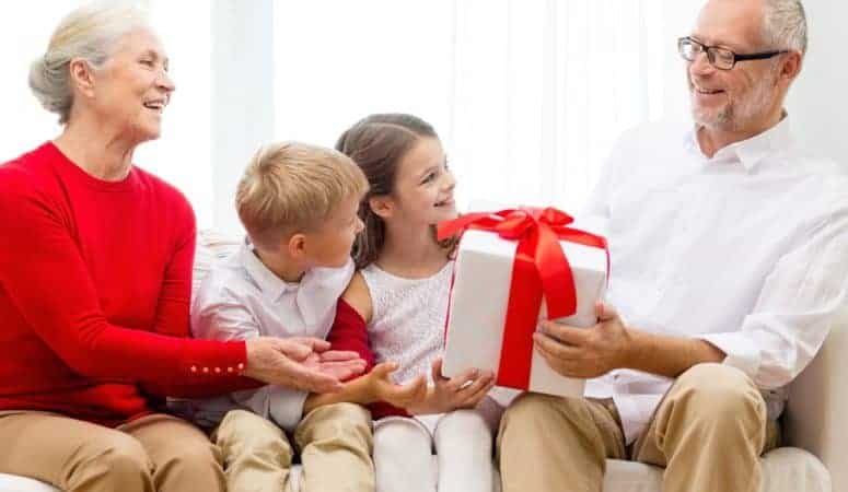 11 Best Gifts for Grandparents for Any Occasion (Meaningful and Useful)