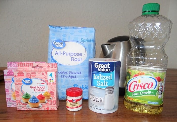Homemade playdough ingredients